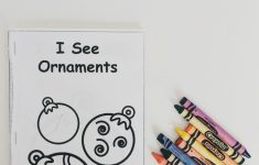 Christmas Easy Reader - Free [Mini Book] Printable — Moments With Miss - Free Printable Mini Books