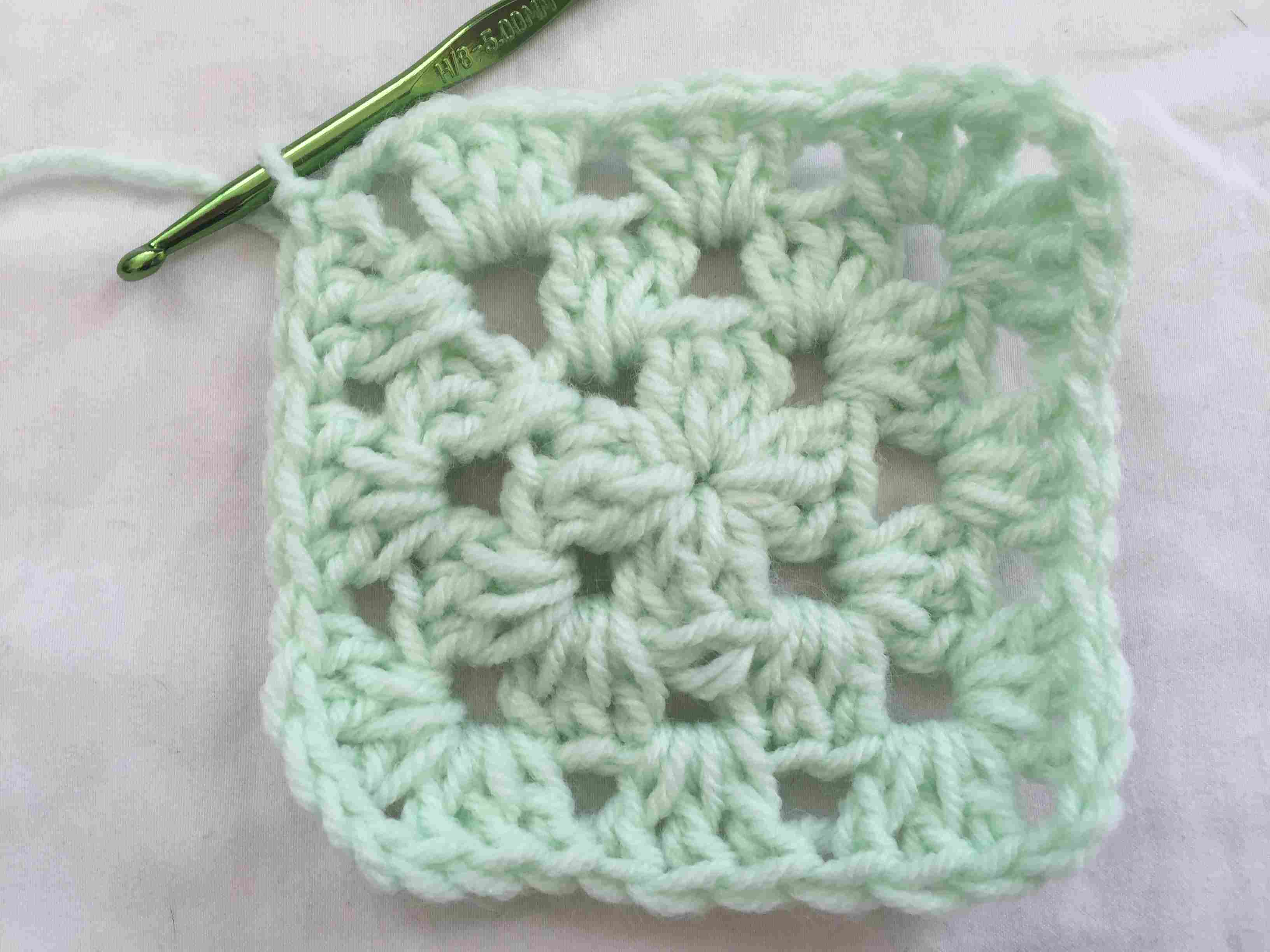 Free Scrap Yarn Patterns For Crochet - Free Printable Crochet Granny Square Patterns