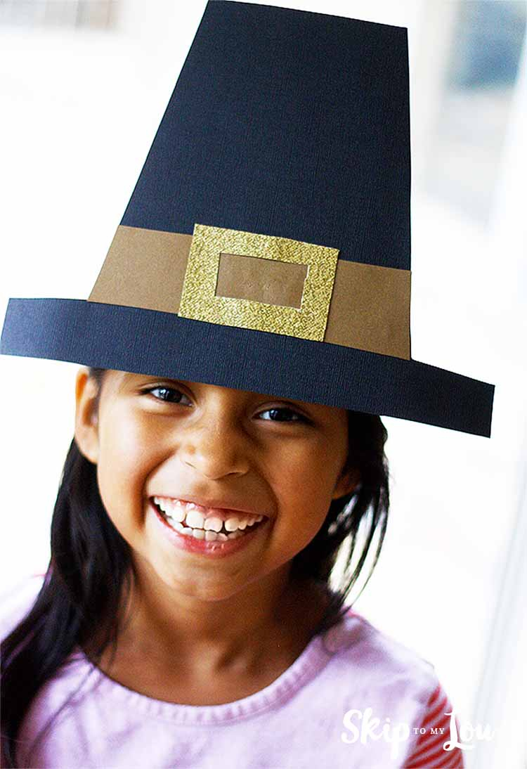 Thanksgiving | Skip To My Lou - Free Printable Pilgrim Hat Pattern